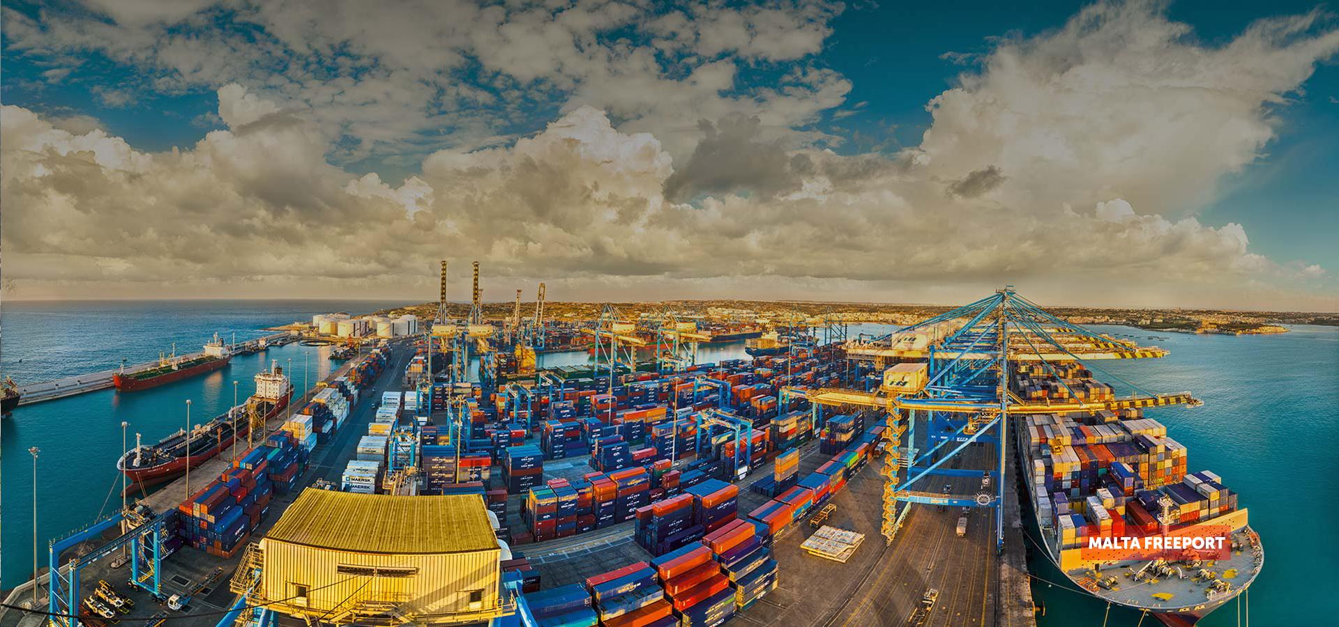 Mayor Centro de  Transbordo en el Mediterráneo